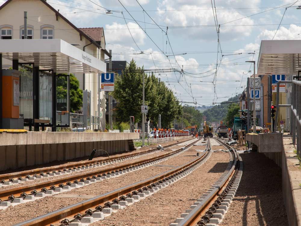 U-Bahn-Haltestelle Stuttgart-Münster mit Gleisbettbegrünung